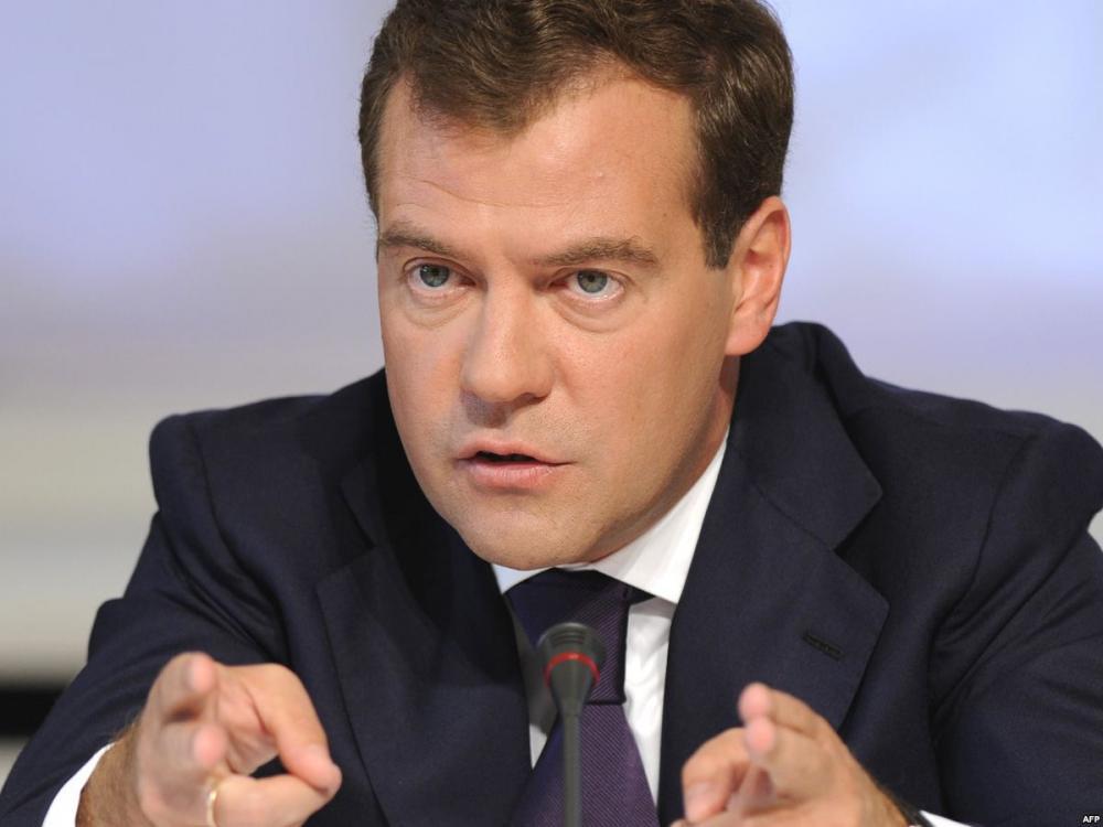 Медведев озаботился удобрениями