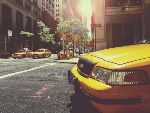 Колония строгого режима ждет вызвавших такси