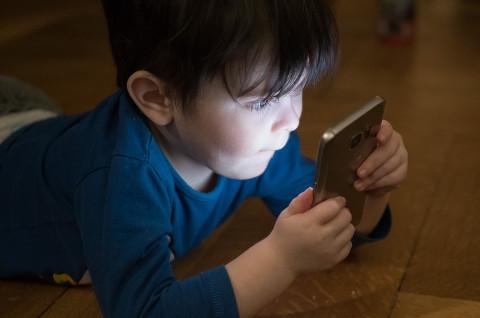 """""""Убрать детей от экранов!"""" – врачи бьют тревогу"""