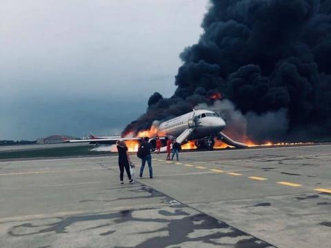Перелеты SSJ 100 хотят приостановить в России