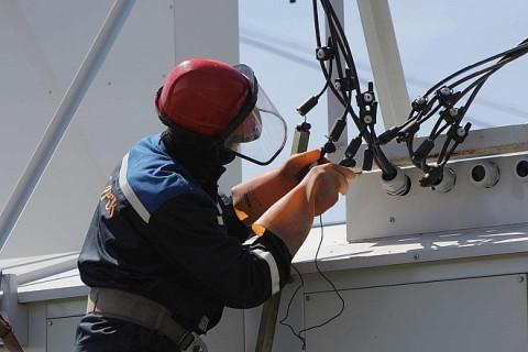Энергетики устраняют повреждения на энергообъектах в Приморье