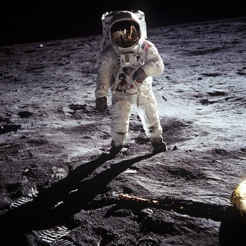 Неожиданно: современная молодежь хочет в космос