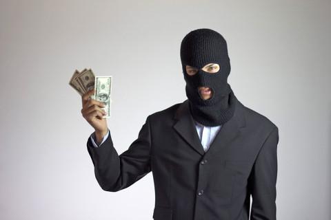 Кредит довёл мужчину до полиции и лишил денег