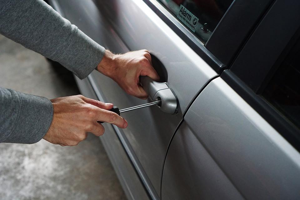 «Берегись угонщика»: раскрыты тайны, как уберечь свое авто