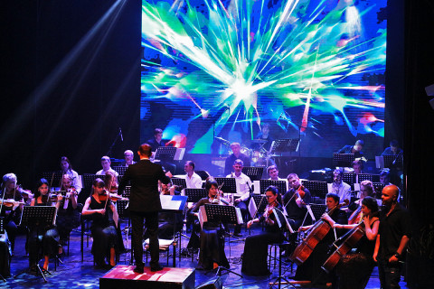 Рок-хитами и аншлагом завершил сезон Эстрадный оркестр Приморской филармонии