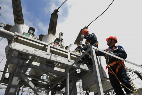 В Приморских электрических сетях выполнено больше половины годовой ремонтной программы