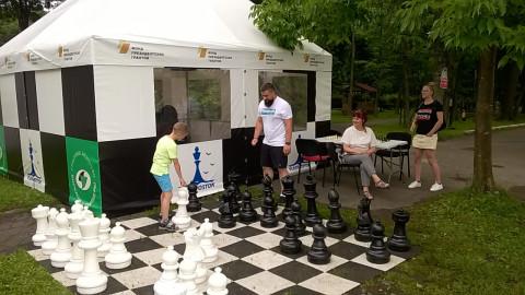 Шахматы под открытым небом ждут жителей столицы