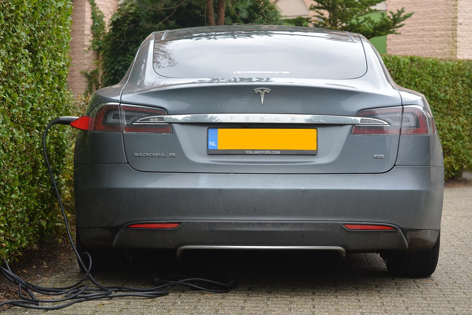 Электромобили признали вредными для экологии