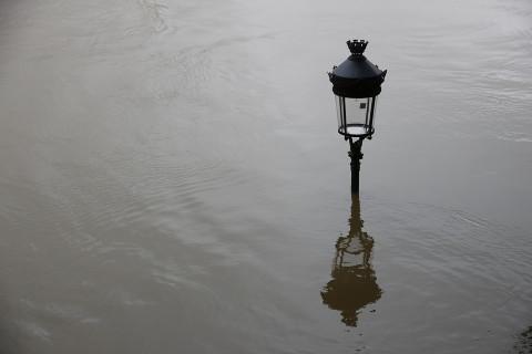 «Уплывет через забор» — приморцы показали подтопленные районы