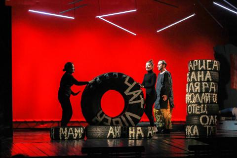 Не быть марионеткой: современная премьера – «Горка» в Театре молодёжи