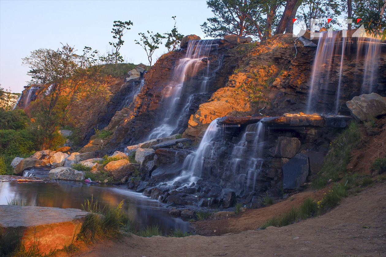 Крупнейший в мире водопад высох - фото