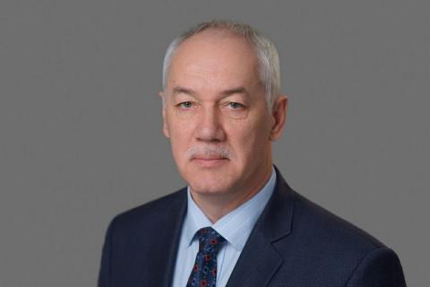 Председатель Думы Владивостока Андрей Брик поздравляет с Новым годом