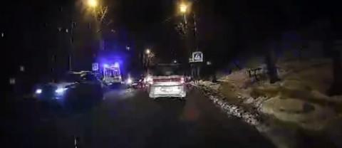Таксист сбил женщину с ребенком на пешеходном переходе