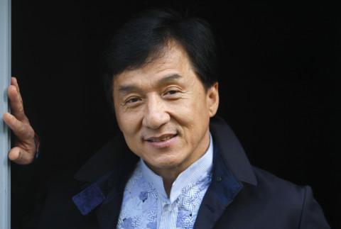 Джекки Чан обещает миллион тому, кто создаст лекарство от коронавируса