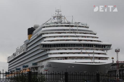 Россияне не спешат эвакуироваться с коронавирусного лайнера