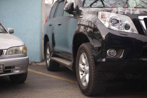 Хамство на дорогах учёные связали со стоимостью автомобиля