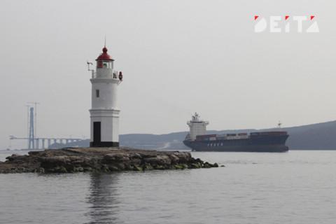 Российских моряков вывезут из Китая во Владивосток
