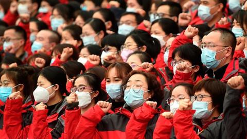 Китайцы бояться заразиться коронавирусом от европейцев