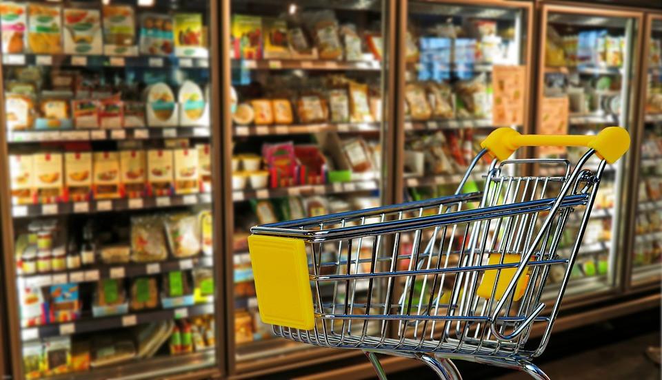 Роскачество рекомендовало мыть упаковку продуктов из магазина