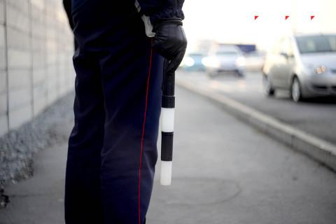 Глава ГИБДД разрешил водителям пользоваться смартфонами
