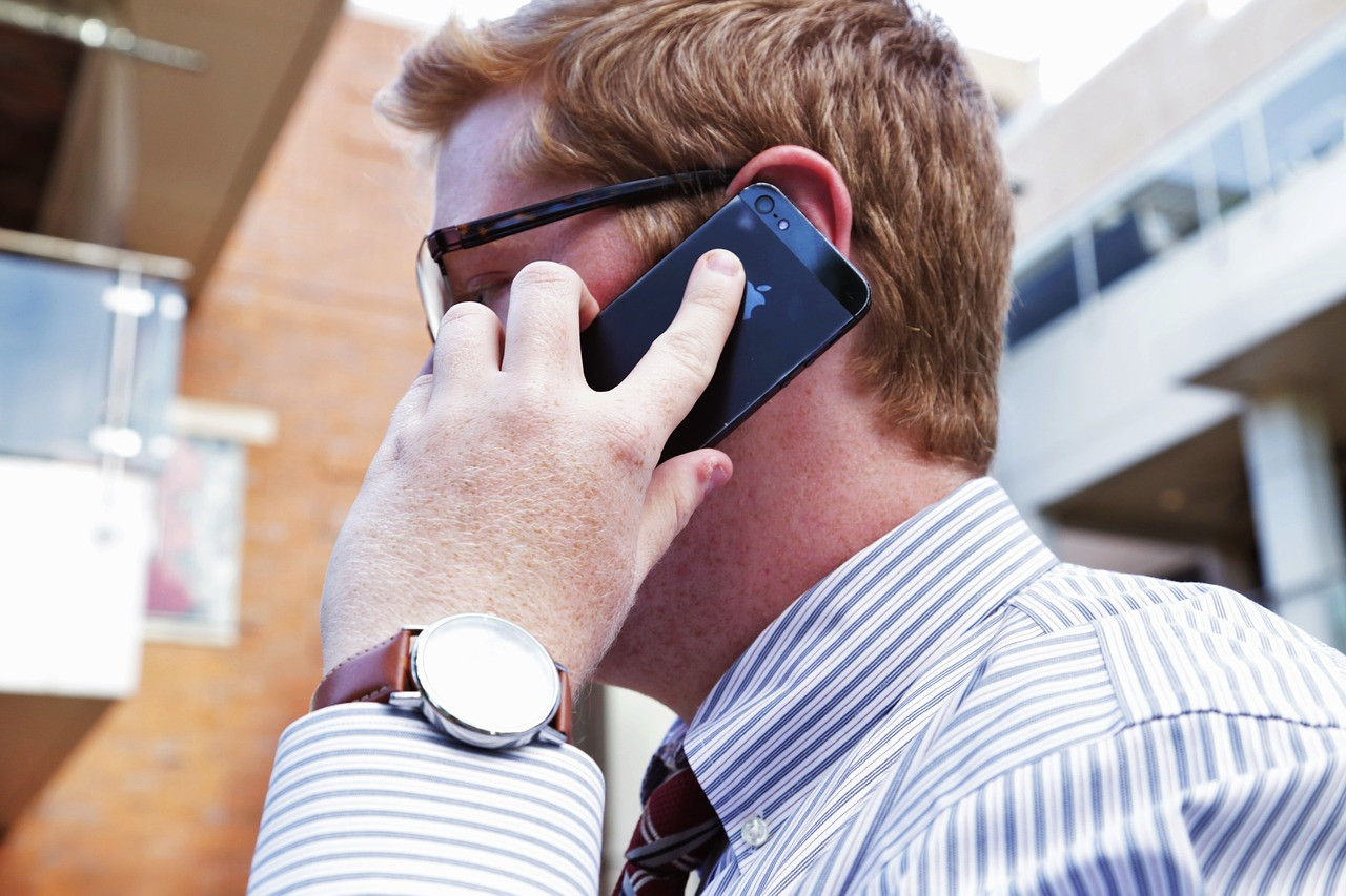 Стал известен заработок руководителя call-центра во Владивостоке