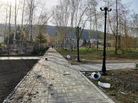 Улица разбитых фонарей: вандалы погасили последние лампы