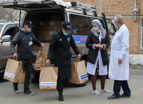 Единороссы собрали миллионы рублей, чтобы помочь медикам