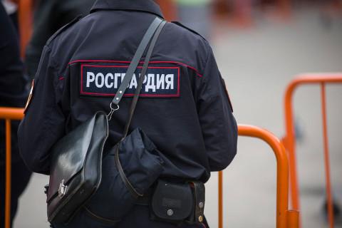 Голый москвич приставал на улице к прохожим