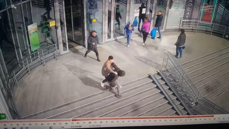 Житель Владивостока помог задержать грабителя
