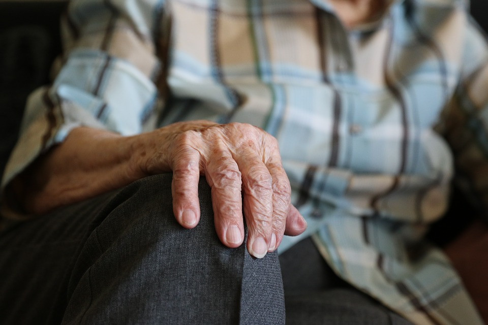 Закон о снижении пенсионного возраста внесен в Госдуму