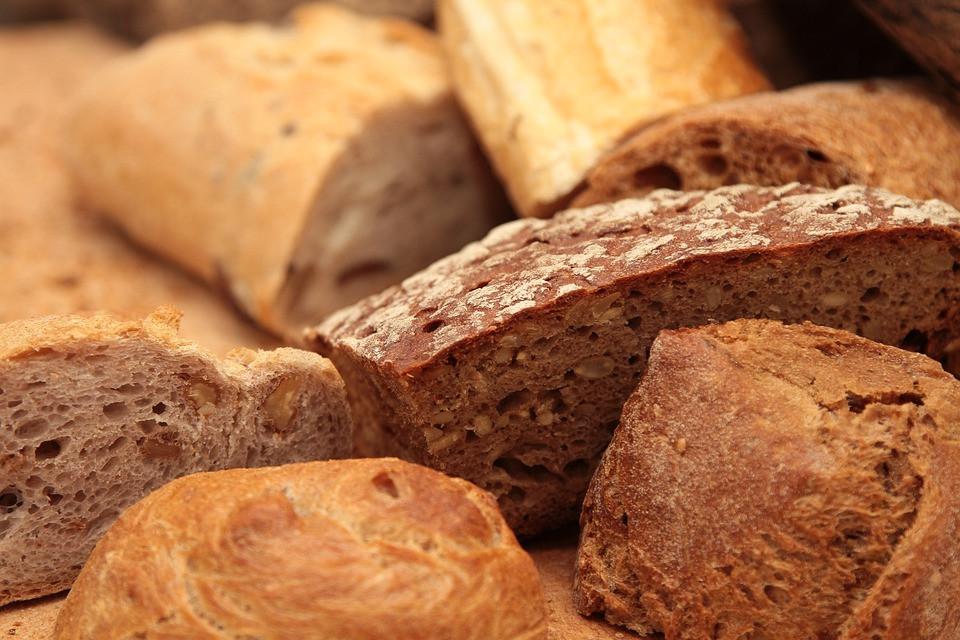 Деньги на хлеб выдают в Приморье
