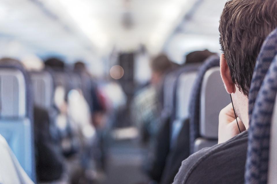 Пилоты объяснили, почему нельзя снимать обувь в полёте