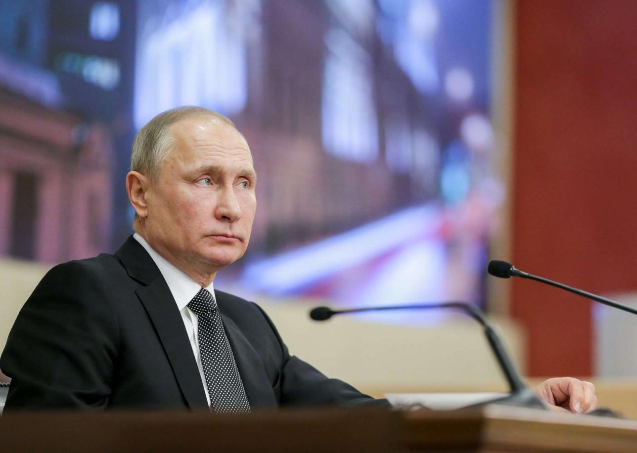 Путин продолжит проводить совещания дистанционно