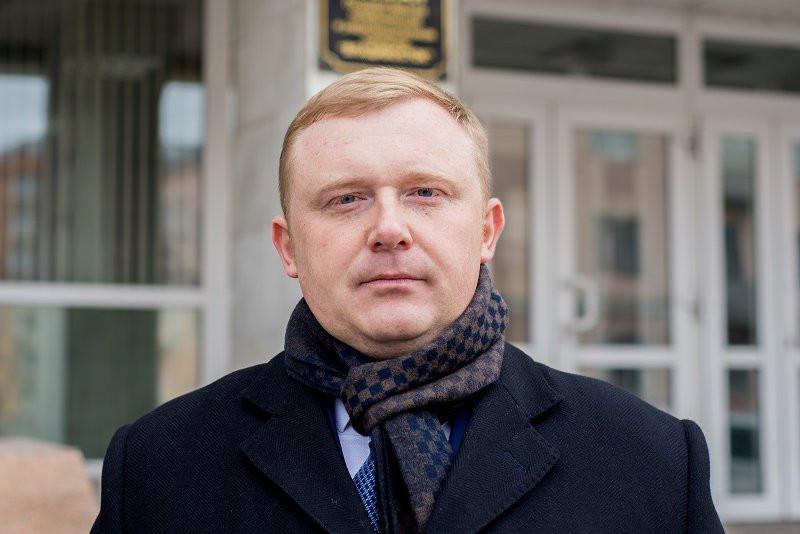 «Красный губернатор» проиграл в суде коллеге и кандидату в губернаторы