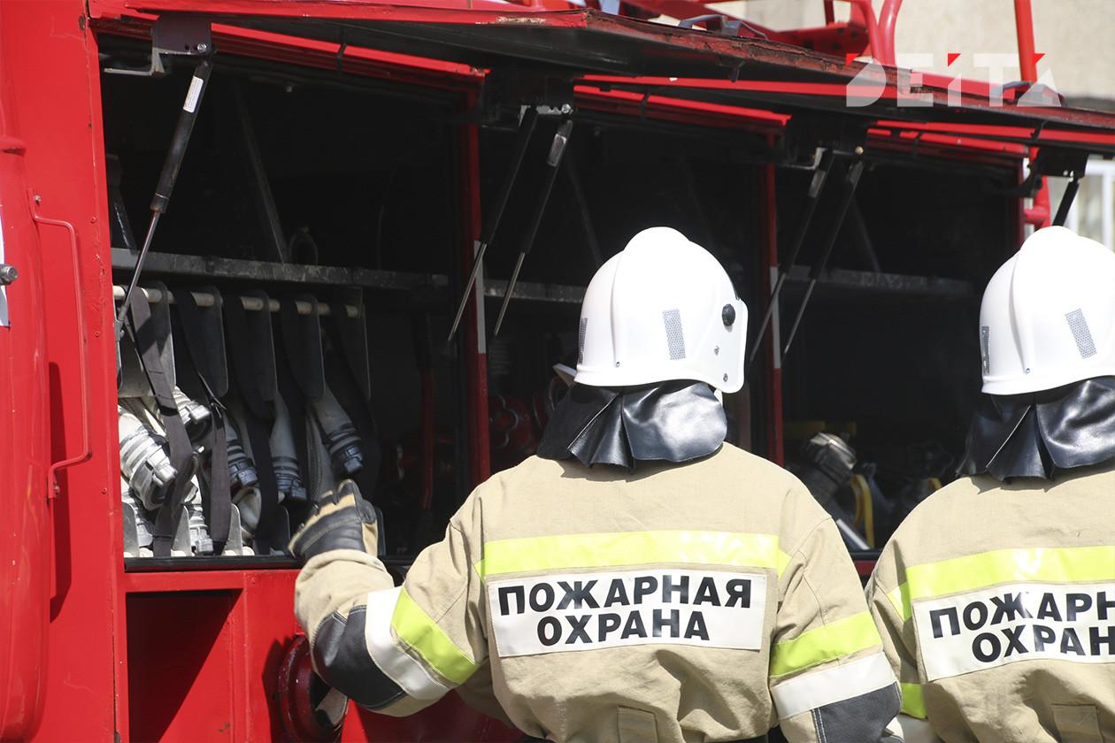 Во Владивостоке загорелась стройка