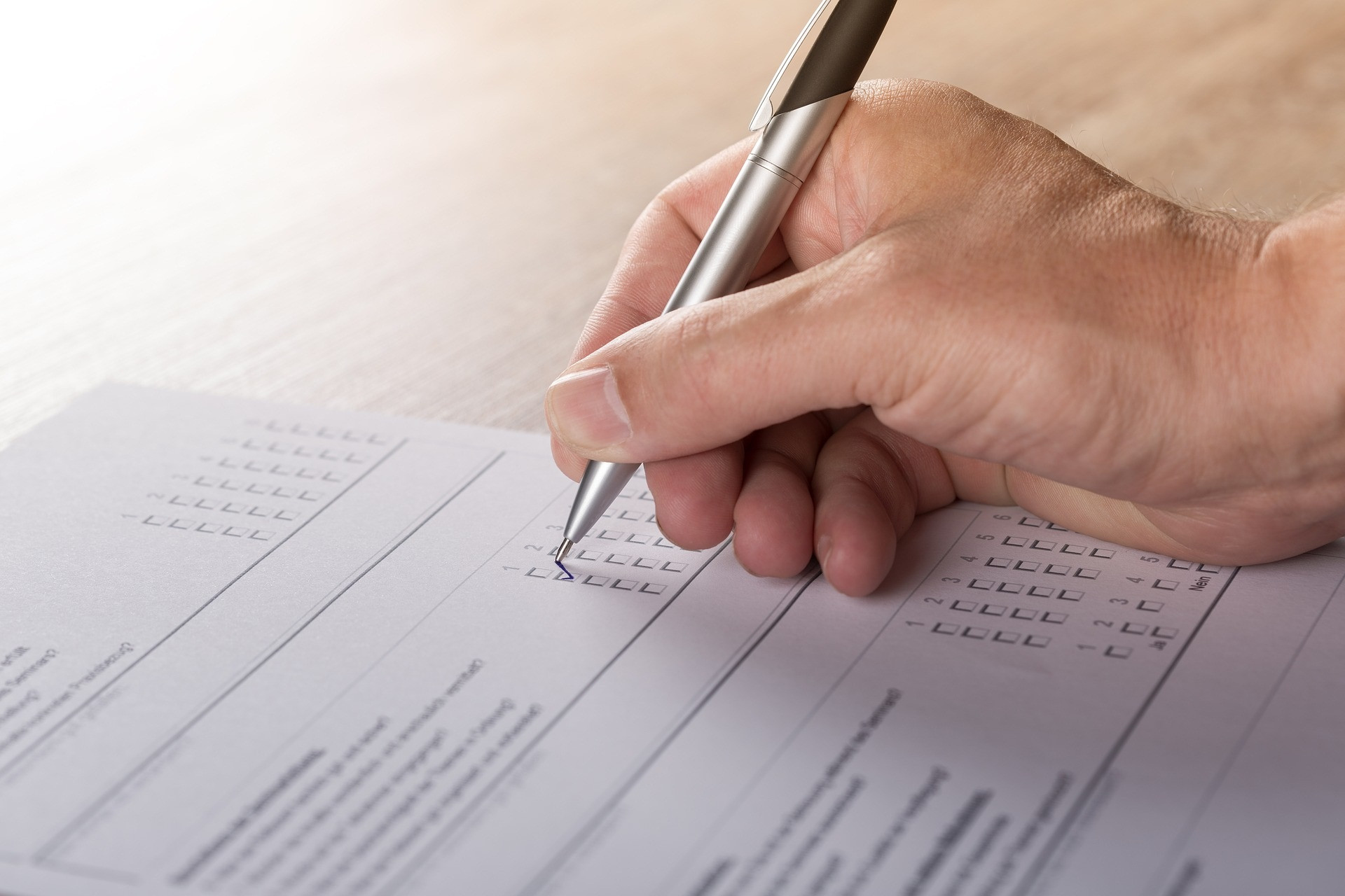 Эксперт: поправки в Конституцию превратились в техническое обнуление сроков