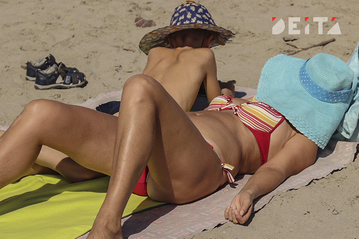 Треть горожан сэкономят на отпуске в этом году в России