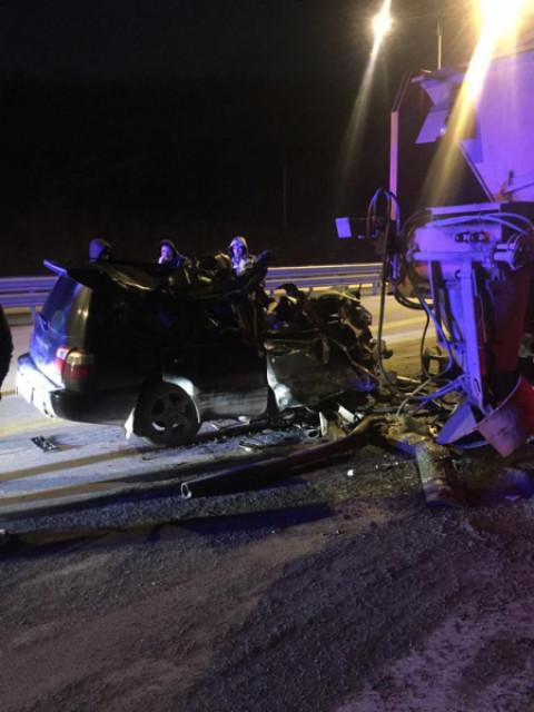 Два человека погибли в ДТП с КАМАЗом в Приморье