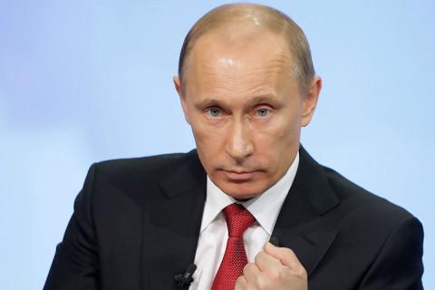 Путин рассказал, кому бы он выбил зубы