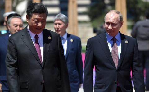 Война бывших: США ищут биологическое оружие в Китае, расставляя его у границ России
