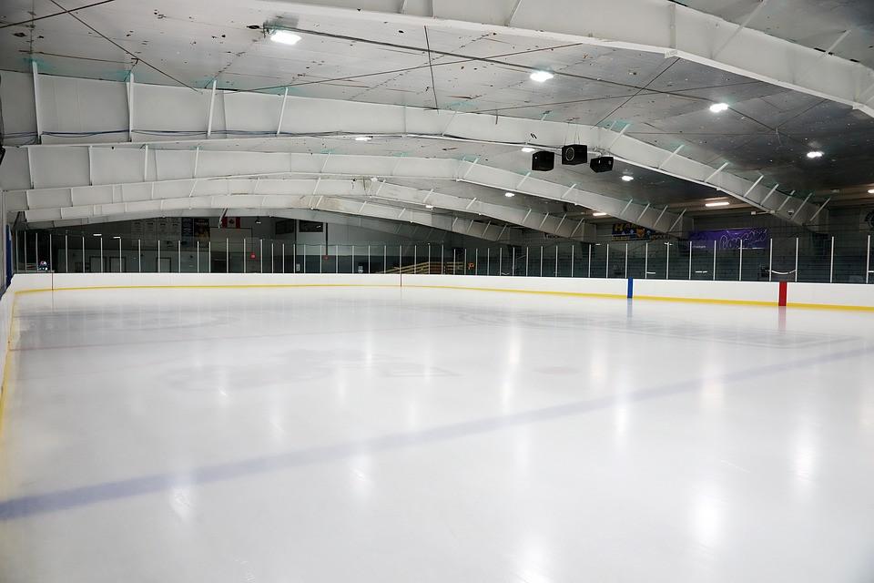 Министр спорта Приморья рассказал о судьбе ледовых арен