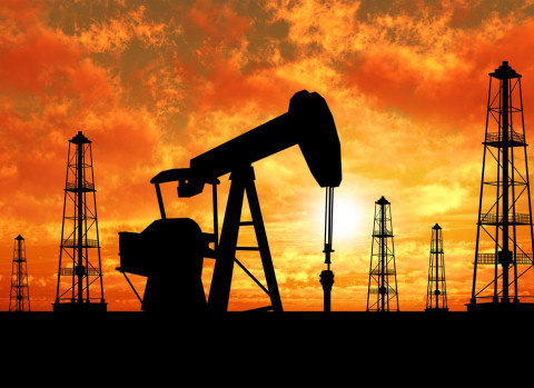 Экономисты объяснили обвал цен на нефть и спрогнозировали ситуацию на рынке