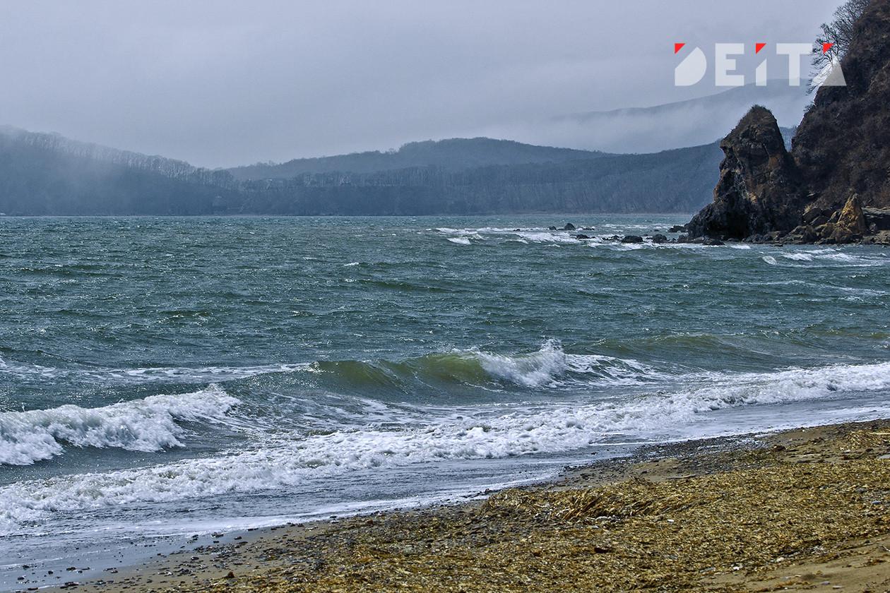 Уже прохладно: на пляжах Владивостока в выходные будет неуютно