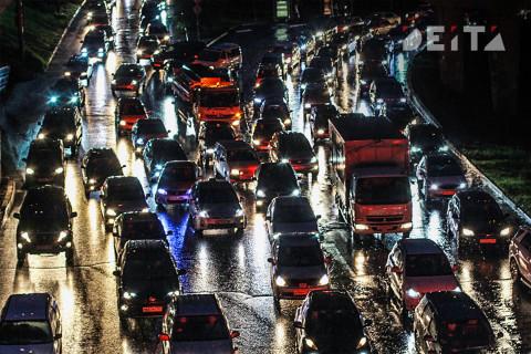 Владивосток встал в пробки из-за дождя