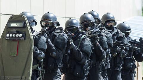 Террористов ловят в центре Владивостока