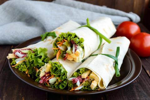 Закуски в лаваше: ТОП-8 начинок для вкусного перекуса