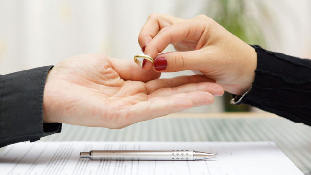 Как пережить расставание или развод
