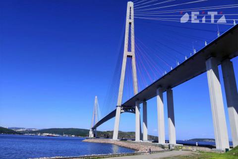 Мост на остров Русский опасен после ледяного дождя
