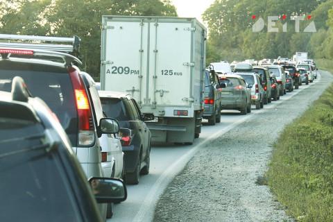 «Постоим в пробках»: стали известны сроки завершения ремонта дороги на Находку