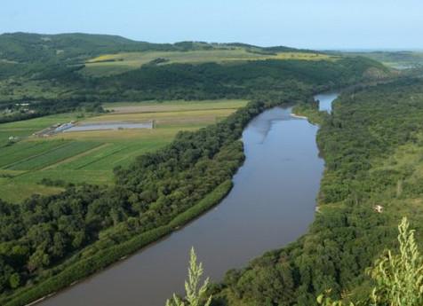 Уровень рек контролируют в Приморье после дождя